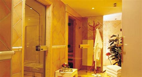 how should you stay in a steam room hotel gourmets and italy chamonix powderbeds