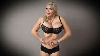 model ribs removed smallest waist bid