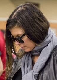 images of female celebrities that have thinning hair is fergie really suffering from female hair fall hair
