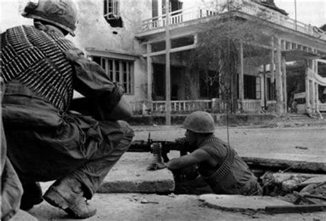 battle for hue tet 1968 a photo history of the war