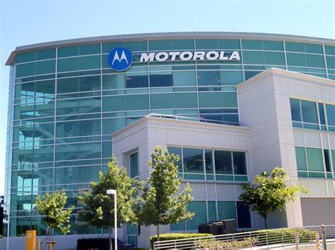 Motorola Corporate Office by Considering Moving Motorola Hq To Downtown Chicago