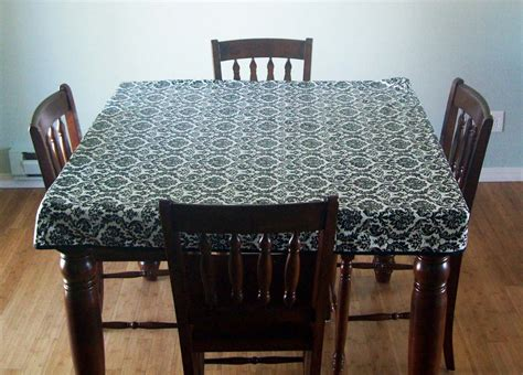 running with scissors fitted simple tablecloth
