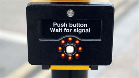 what does the sport button do on a nissan rogue does pressing the pedestrian crossing button actually do