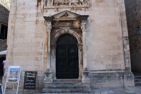 ingressi in pietra portone in pietra di una chiesa with ingressi in pietra