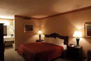 motel room 142 emerson s