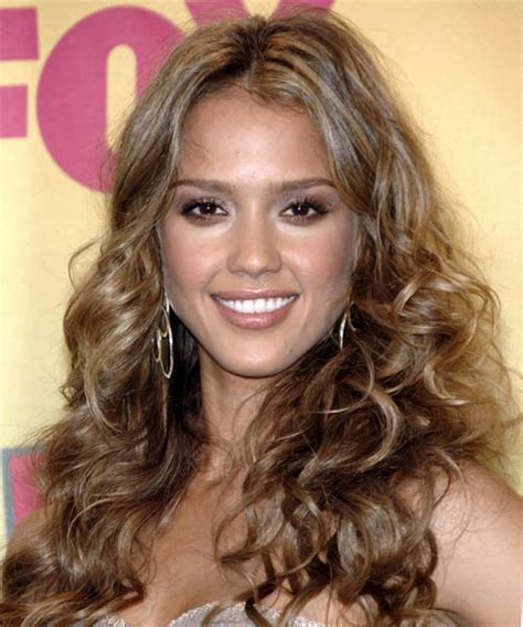 jessica alba long curly casual hairstyle