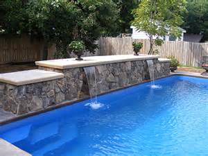 swimming pool water feature photos