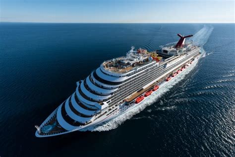 carnival vista boat carnival takes delivery of their newest cruise ship