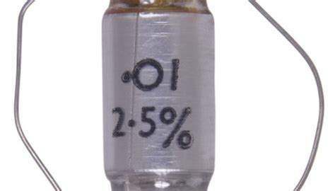 can a capacitor hold charge diy large capacitor sciencing