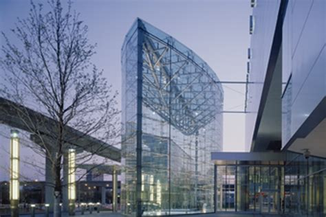 general motors headquarters interior general motors company global headquarters at the