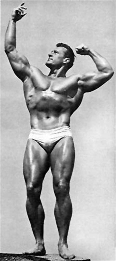 Classic Physique Builder: Are Protein Supplements
