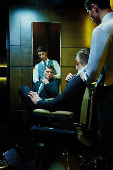 sulla sedia sulla sedia barbiere