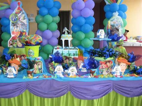 decoracion de salones para 15 años con globos arreglos de fiestas infantiles toy story imagui
