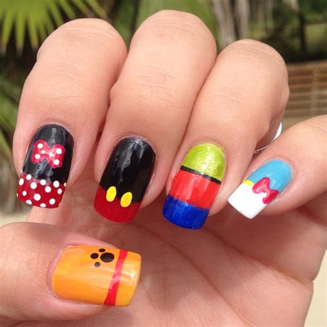 disney pattern nails my disney nails disney nail desings pinterest