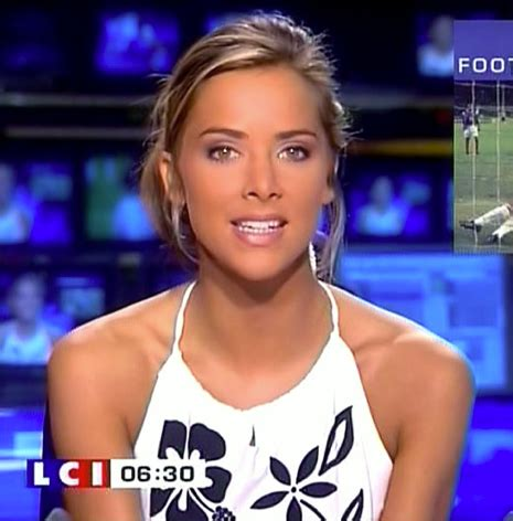 why do most of women reporters on fox have long hair total frat move top 10 hottest fox news anchors