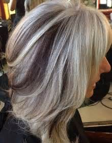 white hair with black lowlights highlights peek a boo tante graziose idee di colore