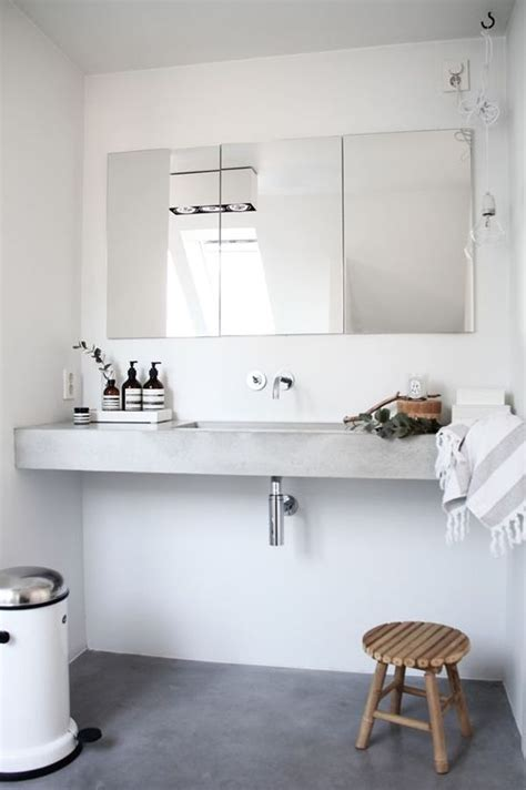 white bathrooms   interesting  fresh design ideas