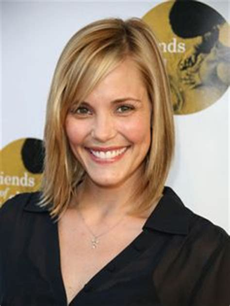 how to style long bob so doesnt look triangular this one is very straight with bangs and is just past