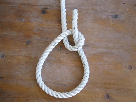 tugboat bowline simple sailing low cost cruising tie a bowline