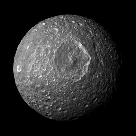 saturn moon mimas wanderingspace 187 mimas