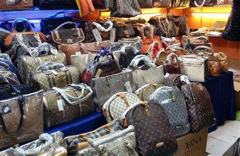 Louis Casandra Set Bag Snapshot Shutter Arrest For Selling Counterfeits