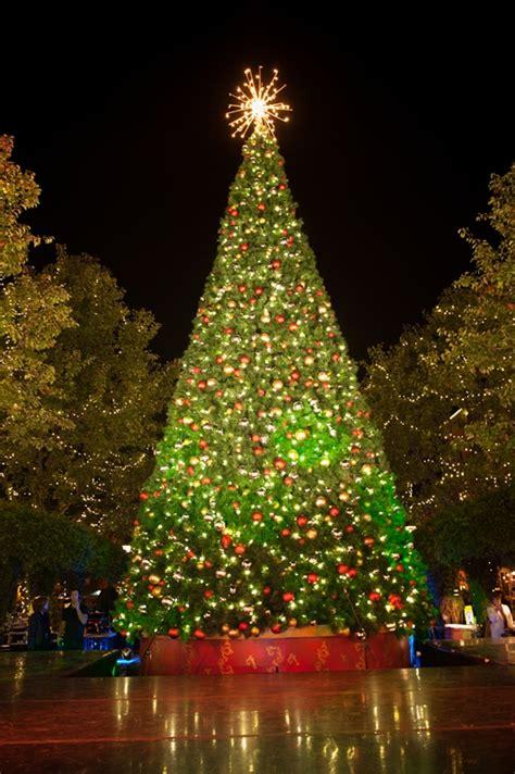 santana row annual tree lighting ceremony