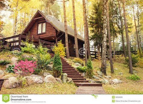 2 Bedroom Cottage House Plans Maison En Bois Dans La For 234 T Photo Stock Image 39559328