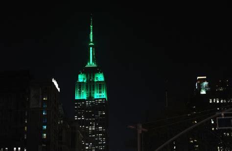empire state building lights tonight torrey devitto empire state building lit green for