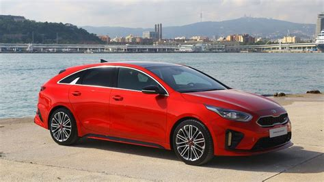 kia unveils  proceed  sporty  door shooting brake auto trader uk