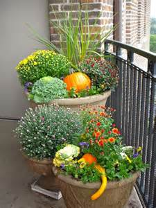Small Outdoor Plant Pots 25 Best Ideas About Fall Planters On Front