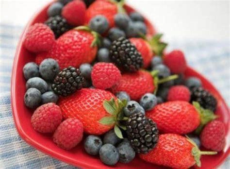 coltivare fragoline di bosco in vaso coltivare frutti di bosco piccoli frutti come