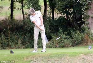 irish swinging one direction s niall horan enjoys a peaceful round of