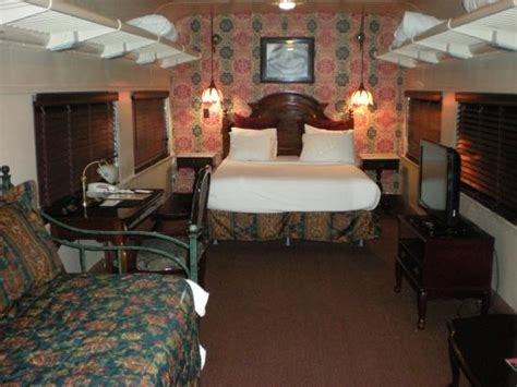 car family room picture of chattanooga choo choo