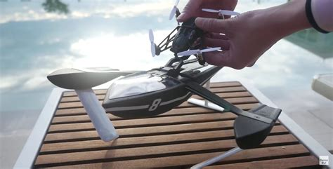 Drone Buat parrot hydrofoil drone is half boat half flying machine autoevolution