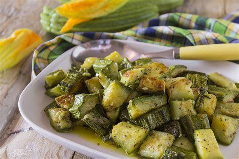 cucinare le zucchine in padella zucchine in padella gustosissime