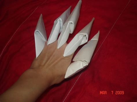 How To Make A Paper Claw Finger - origami how to make a claw