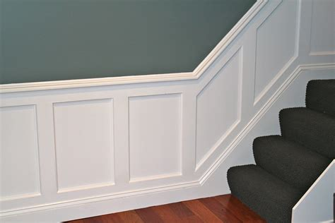 Chair Rail Up Stairs by Planning A Wainscoting Installation Pro Construction Guide