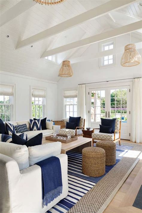 202 best beach house interiors images on pinterest tropical living room design beach family room ideas beach
