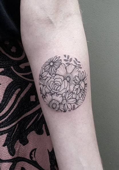 circle design tattoos 48 charming unique circular designs tattooblend