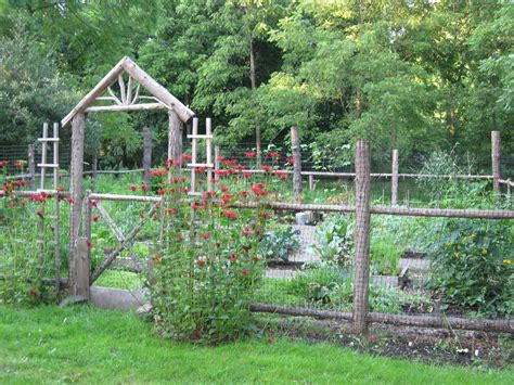 Ideas For Fencing In A Garden Garden Fence Ideas For Great Home And Garden