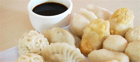 Pempek Kapal Selam 6 Pcs Citarasa Khas Pempek Palembang 6 kuliner lezat di palembang part 1 gogonesia travel