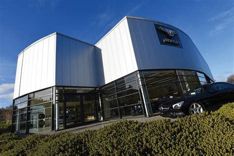 bentley showroom place north west bentley showroom sells for 163 7m
