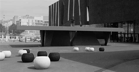 panchina in cemento panchina pouf in cemento apollo dal design moderno per