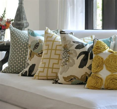 How To Decorate With Throw Pillows by The End Loft Decorating With Throw Pillows