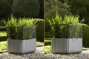 pot de fleurs design ciment acier uuu de flora achat