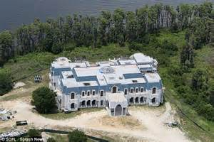 versailles house america s largest home nicknamed versailles is back from the brink daily mail online