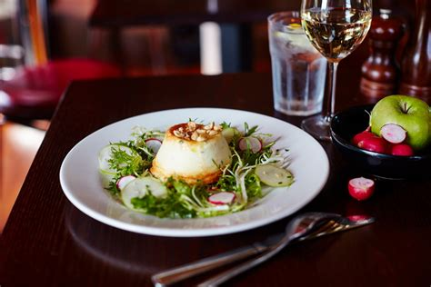 Threeurse Meal With Sparkling Wine For Two At Cafe