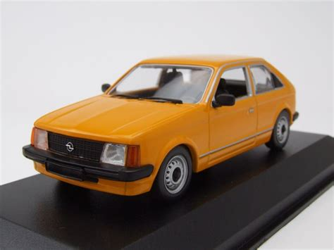 opel orange opel kadett d 1979 orange modellauto 1 43 maxichs 32