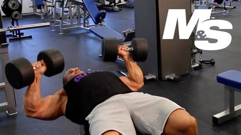 cutler bench jay cutler s training tips maximum contraction dumbbell