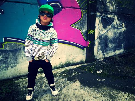 www süwag de a boy in a green cap and sunglasses swag wallpapers and